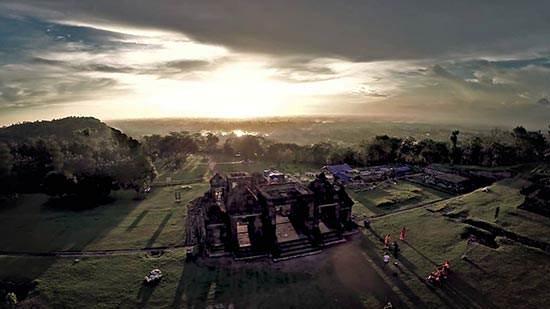 Wisata Mengagumkan Di Istana Atas Bukit Candi Ratu Boko, Jogjakarta