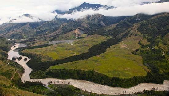 Lembah Baliem: Eksotisme Alam Papua yang Sangat Mengagumkan