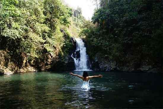Air Terjun Aling-aling: Merasakan Keindahan Air Terjun Unik Nan Mengagumkan Di Buleleng Bali