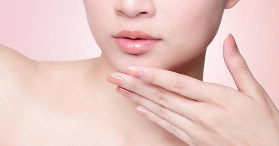 6 Cara Memerahkan Bibir Secara Alami